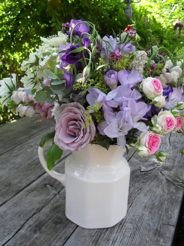 A ceramic jug arrangement